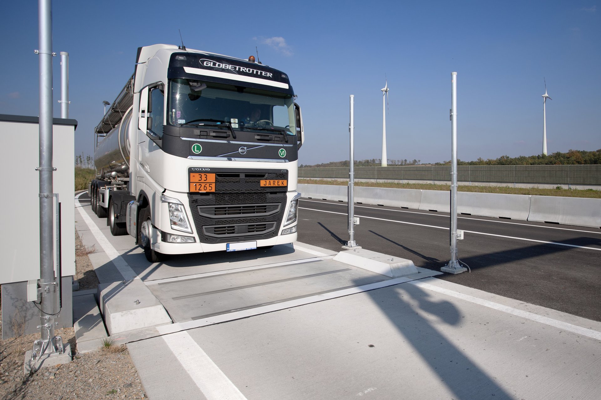 2-cell automated weighbridge
